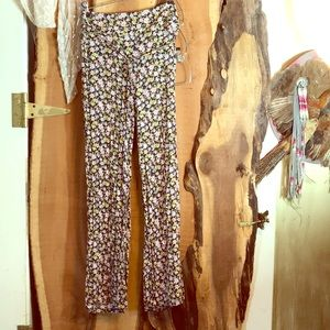 FLOWER POWER Loose floral high waist flare pants M